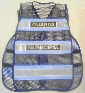 """< img src=""""colete.refletivo302.jpg"""" alt=""""colete refletivo tipo blusão para guardas municipais"""">"""