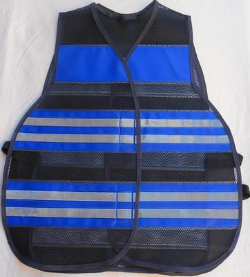 "< img src=""colete-refletivo-azul-blusaoazul201M.jpg"" alt=""colete refletivo tipo blusão azul"">"