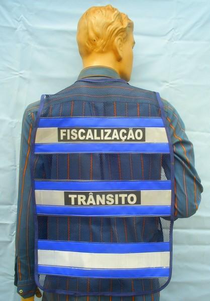 "< img src=""colete-refletivo-azul-blusaoazul206M.jpg"" alt=""colete refletivo tipo blusão azul"">"