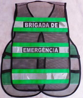"""< img src=""""imagem.jpg"""" alt=""""imagem de colete refletivo para brigada de emergência"""">"""