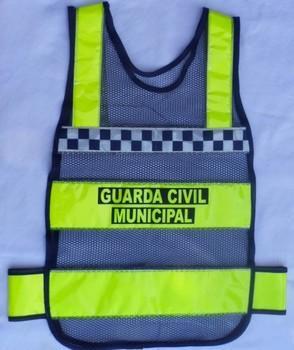 """< img src=""""coletes-refletivos-guardas-municipais.gcmsan101M.jpg"""" alt=""""colete refletivo tipo manta para guardas municipais"""">"""