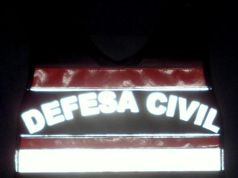 imagem colete defesa civil